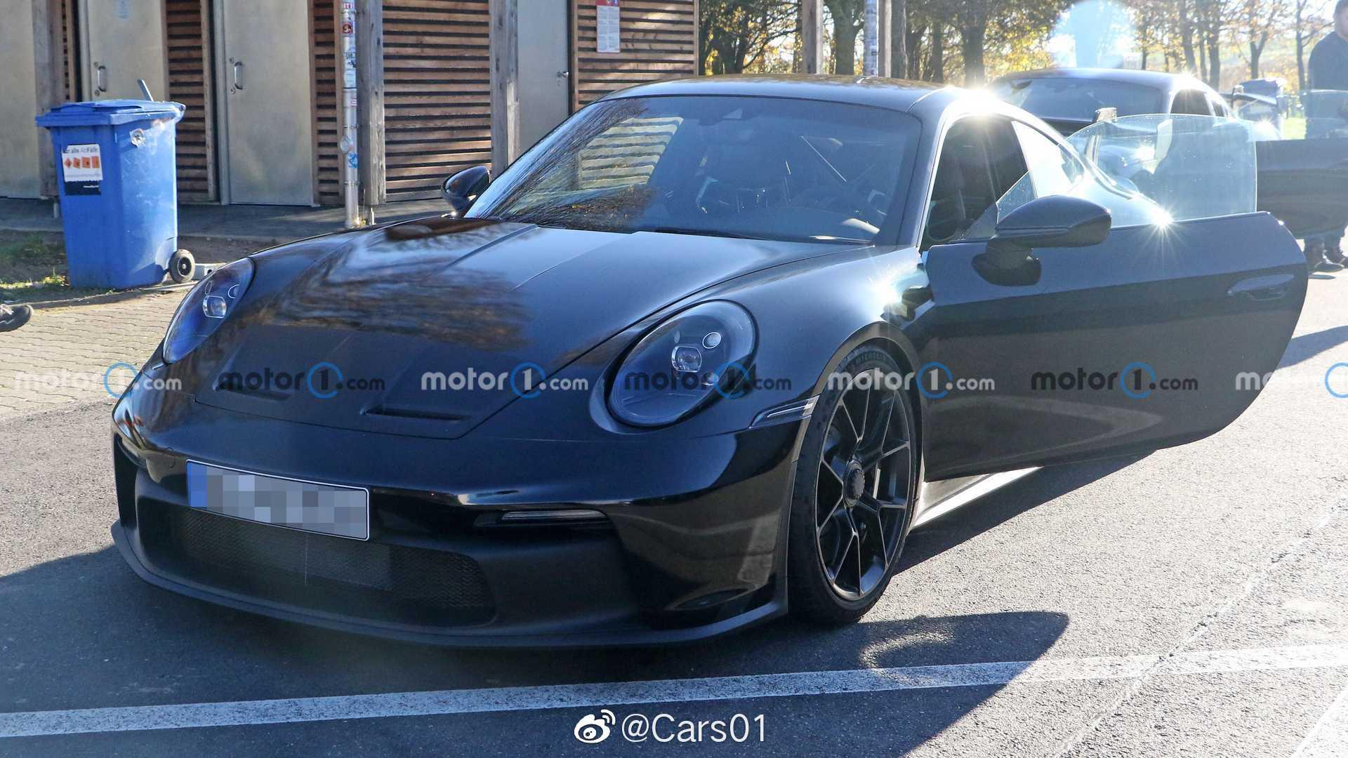 全新保时捷911 GT3低伪路试谍照,新车预计最快年底或明年初发布