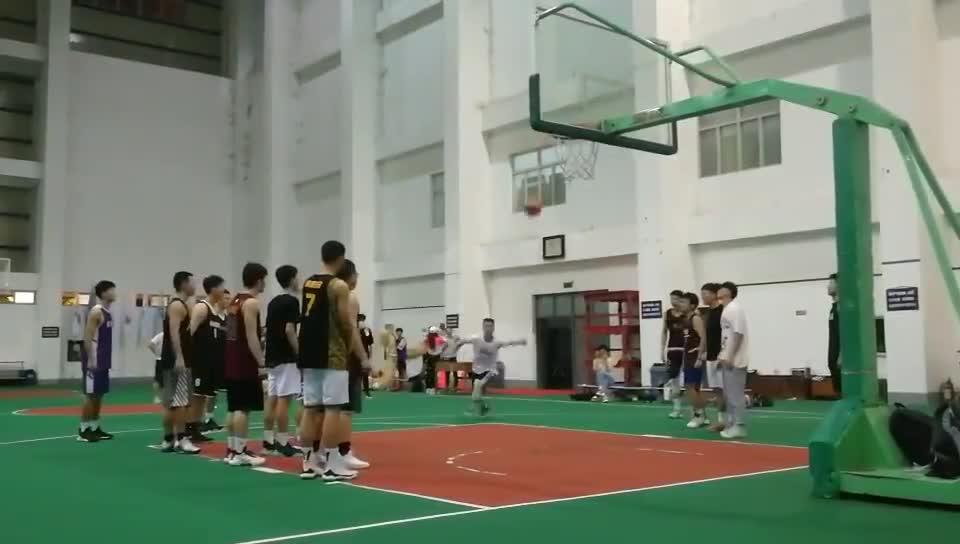 闽南师范大学175篮球教练扣篮