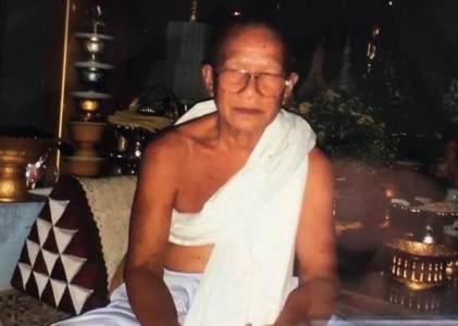 """为求""""来世有好运"""",泰国一僧人在生日当天砍下自己的头颅献祭"""