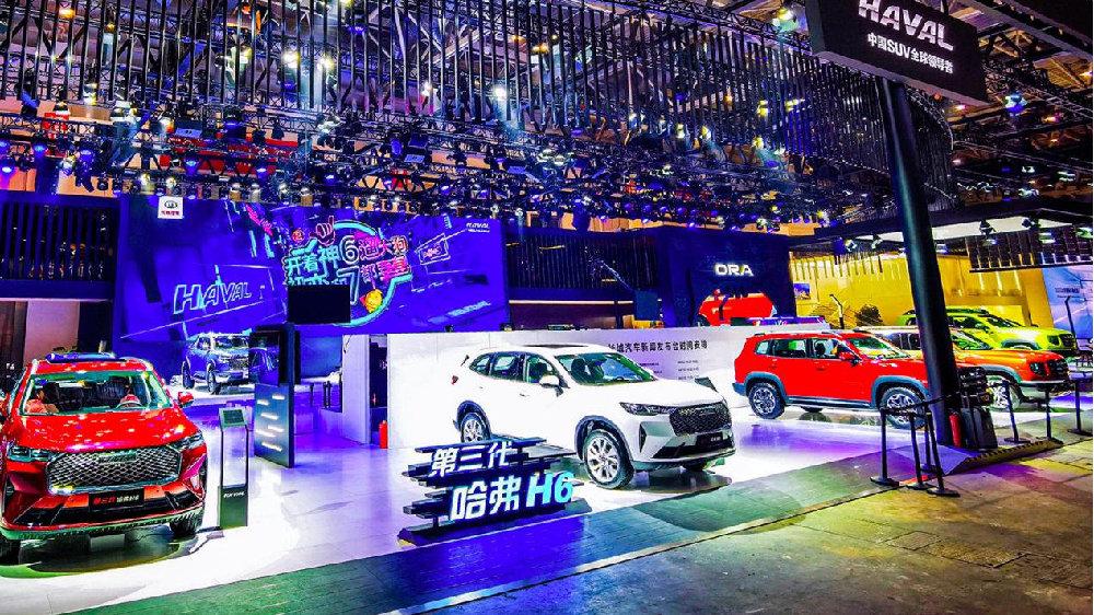 北京车展正当时,长城竟然在现场开了动物园和军械库?