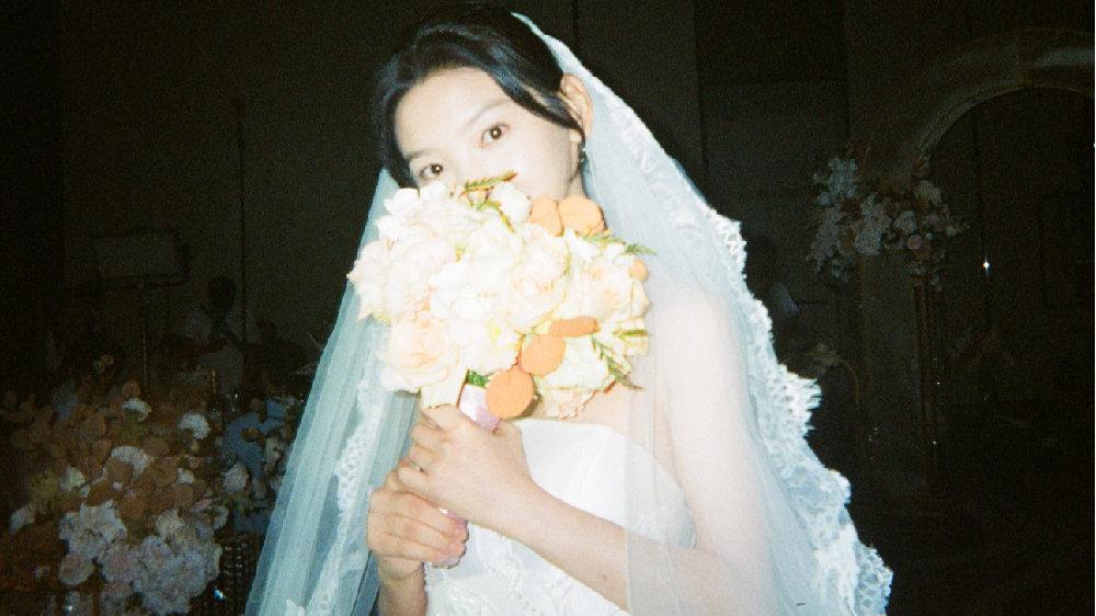 """章若楠《你的婚礼》太好哭了,从网红模特到荧屏""""初恋颜""""她够拼的"""