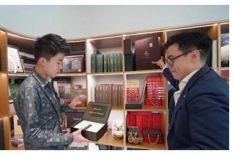 400000西装贵在哪?在北京明星买衣服地方长什么样
