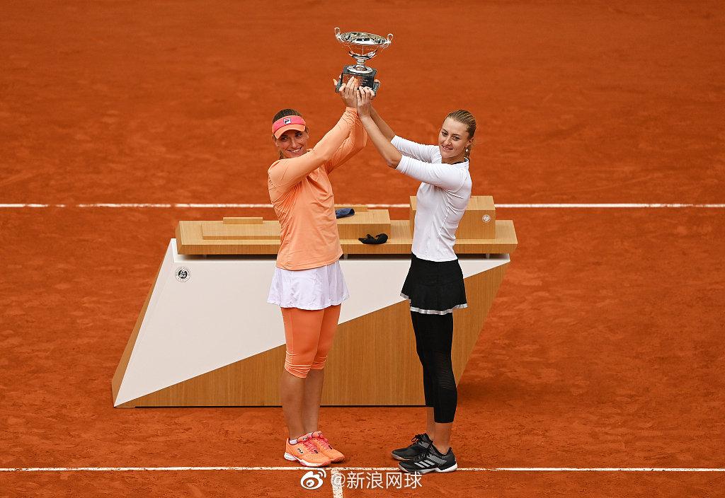 巴博斯/梅拉德诺维奇成为2013-2014澳网的埃拉尼/文奇后第一对在大满