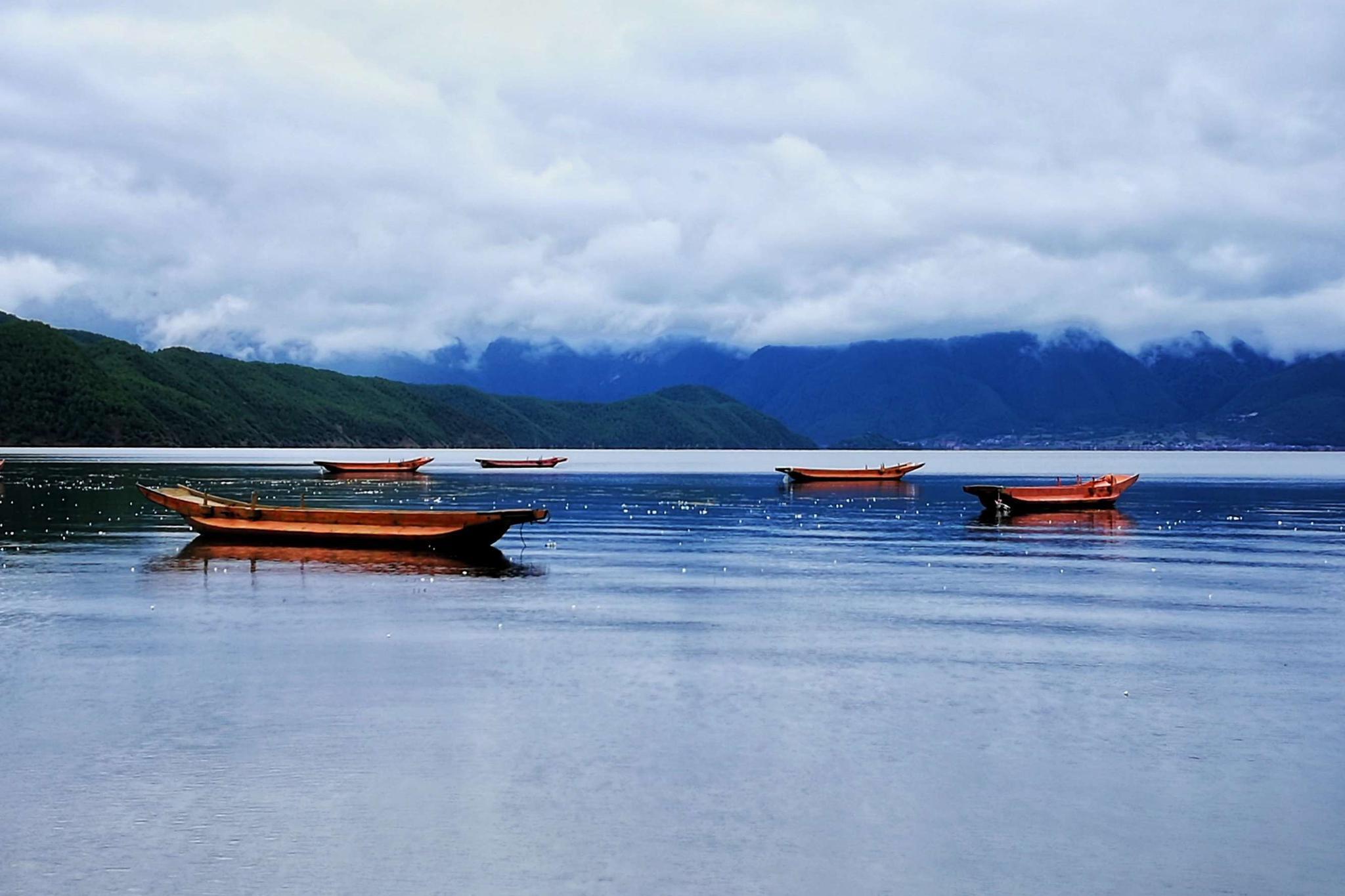 雨季泸沽湖,别有一番意境。