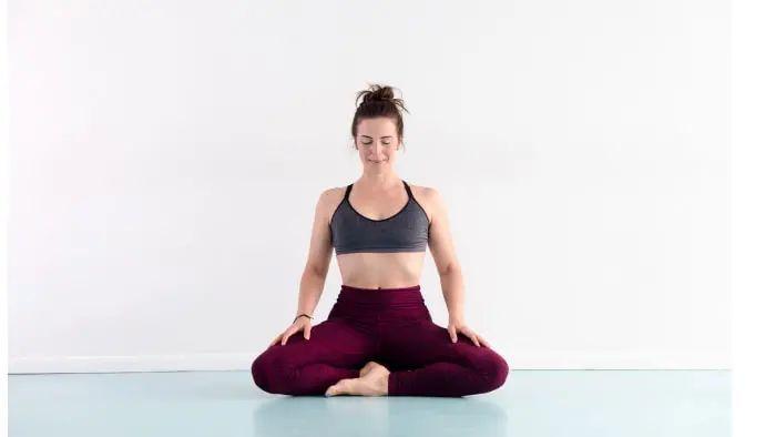 试试这组瑜伽体式,助你消除焦虑,拥有好气色~