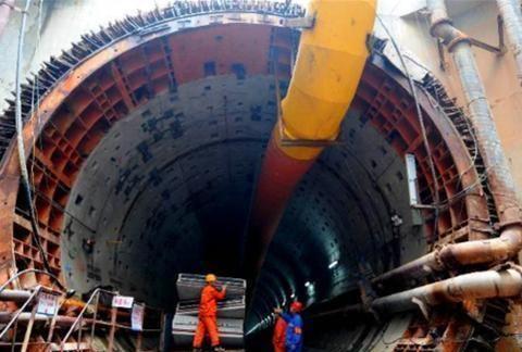 中国这一超级工程,深埋黄河河床下40米,两千万人因它受益