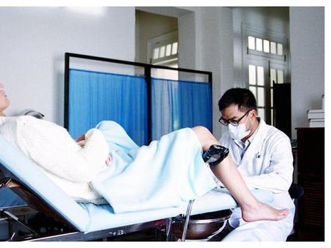 为啥产科会让男医生接生,不怕产妇尴尬吗?真相孕妈要悉知