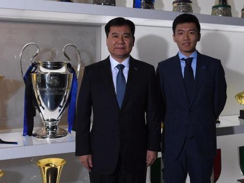 张近东搞足球5年烧50亿,王健林也说不玩了,许家印为何还坚持?