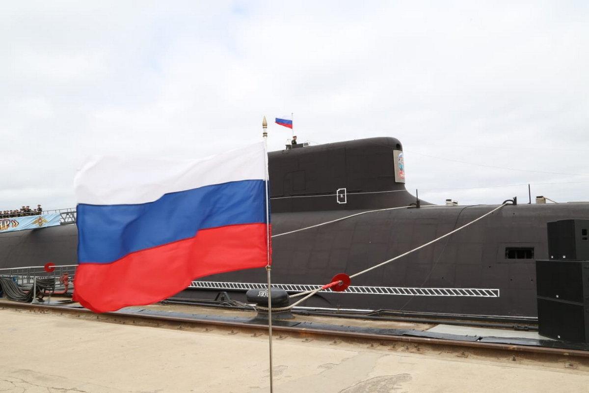 俄罗斯最新型弹道导弹核潜艇服役