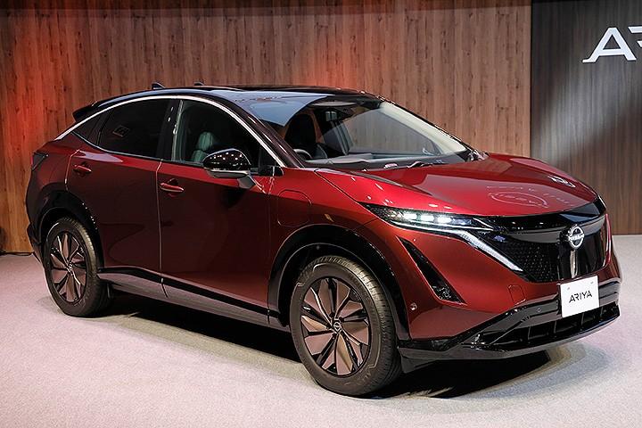 日产纯电SUV Ariya发表,约38万,这车能比蔚来香?