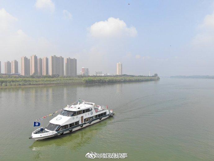 汉江武汉段第一艘执法艇正式服役