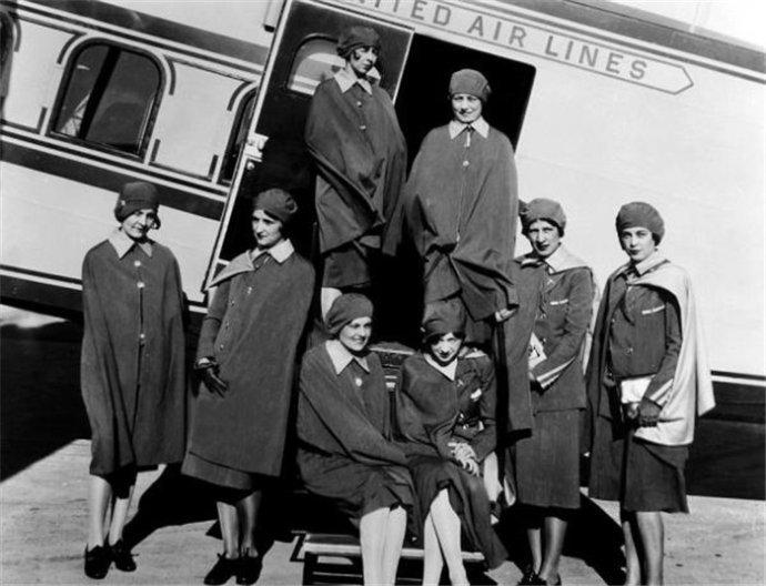 上世纪各国航空公司的空姐们。