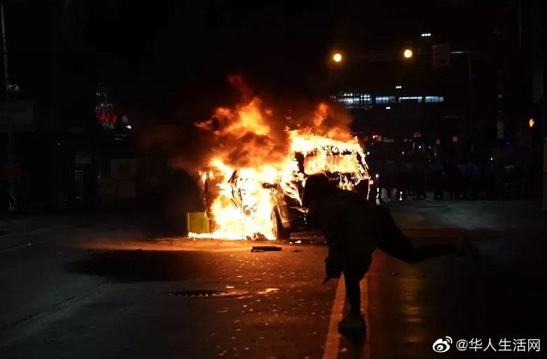 美国大选未开始,暴乱先暴发千人上街打砸抢,警车掀翻纵火