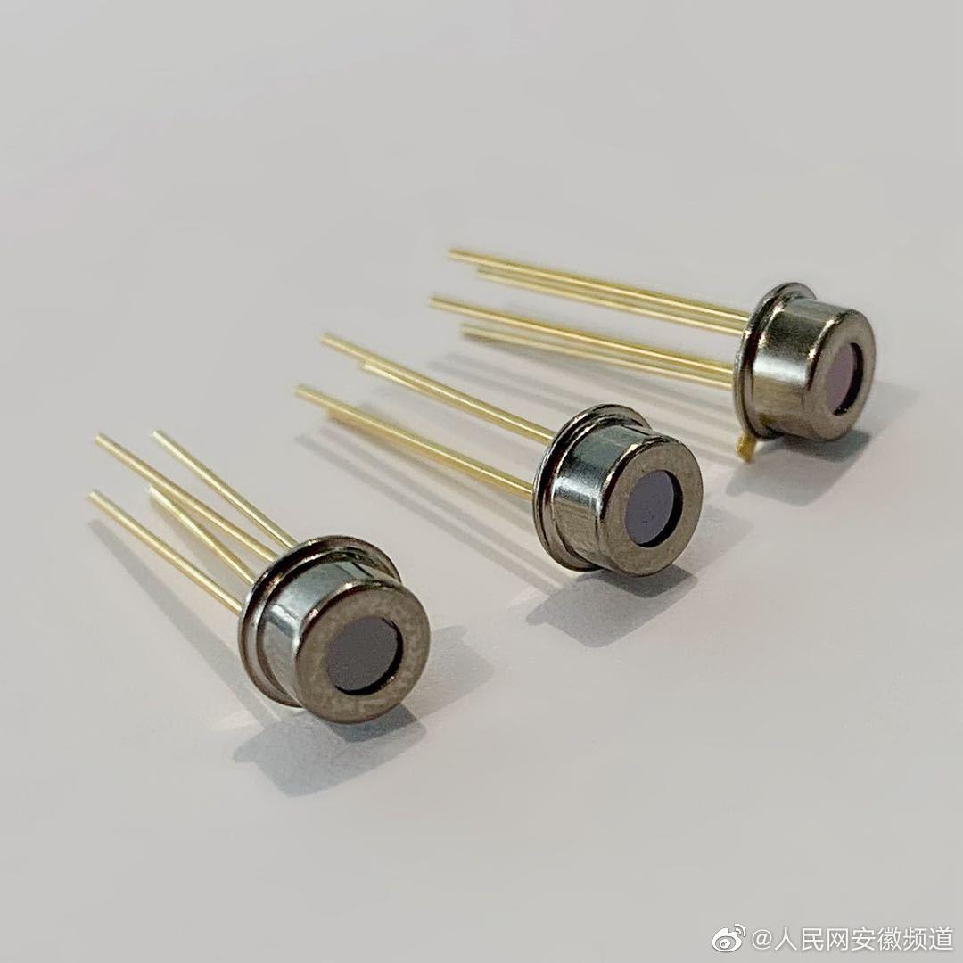 """传感器,被誉为智能硬件的""""五官"""",是硬件稳定运行的基础。其中"""