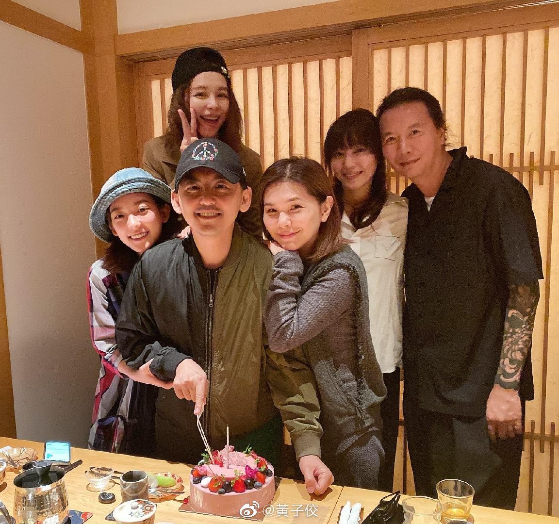姐 老師夫婦本來我以為是個小飯局謝謝徐若瑄認識三十年美