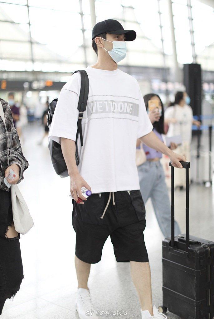 7月6~7日,最近两天的新鲜机场LOOK合辑:高伟光,秦霄贤,程潇