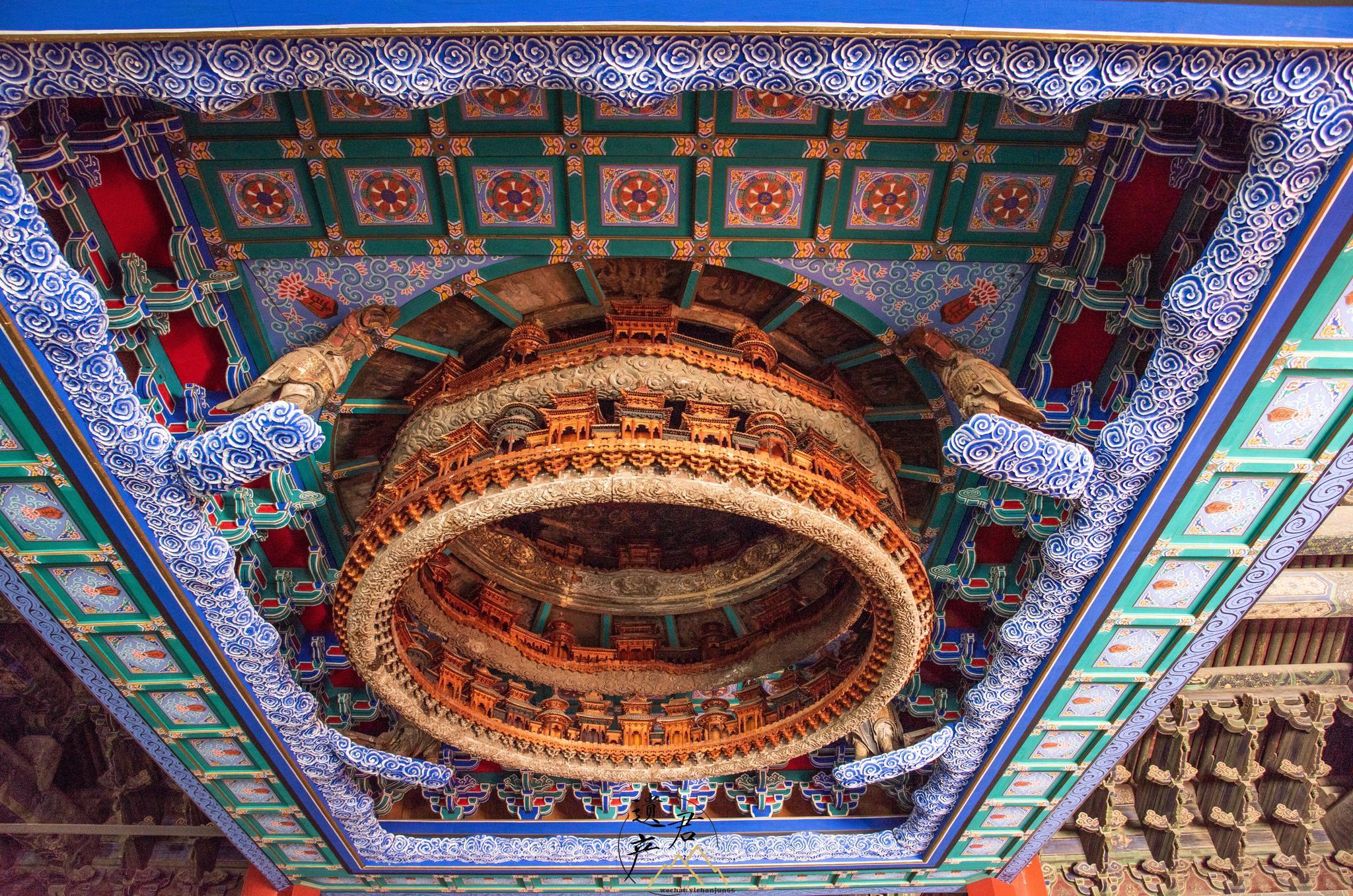 北京古建筑博物馆收藏了一件明代隆福寺正觉殿的藻井
