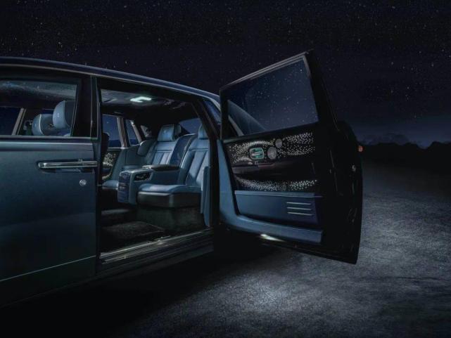 劳斯莱斯两款新车亮相上海车展,幻影天魄典藏版全球限量20台