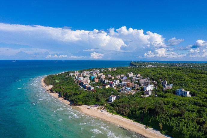 涠洲岛,位于广西北海市北部湾海域中部,北临广西北海市