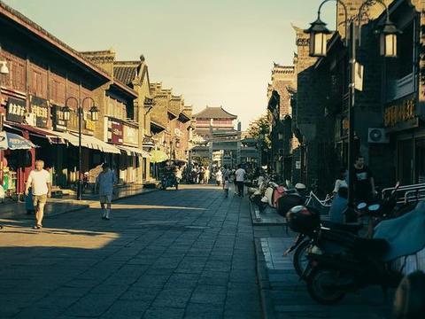 湖北省襄阳市的2020上半年GDP来看,更接近几线城市?