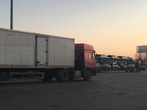 大货车司机年入百万?看改行后的大货车司机怎么说