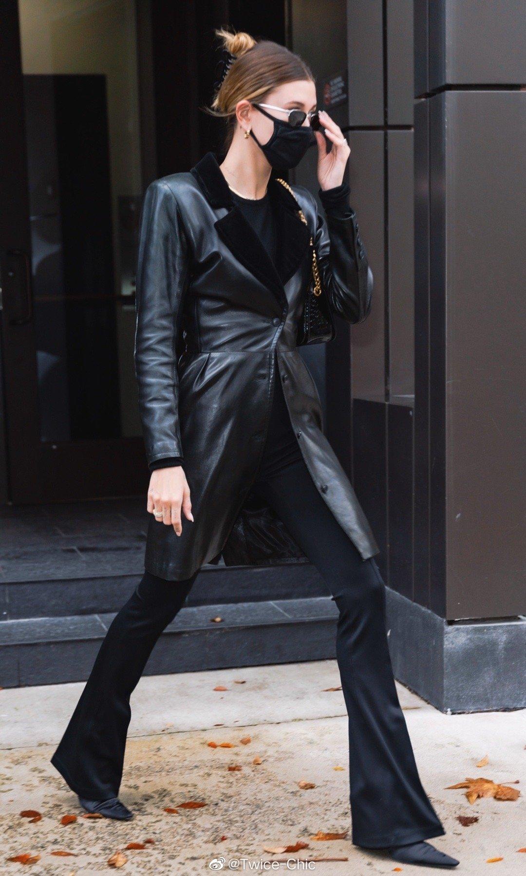 Hailey Bieber本周纽约街拍