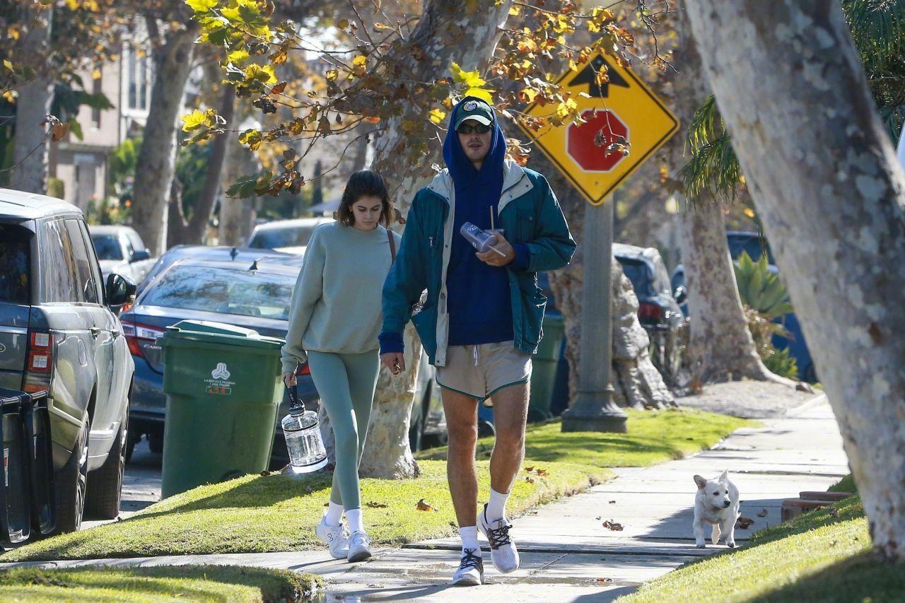 Kaia Gerber和雅各布·埃洛迪Jacob Elordi近日在西好莱坞健身后的街拍
