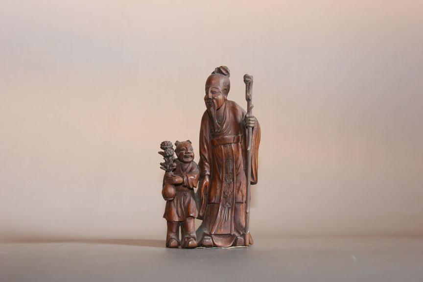 嘉定博物馆 镇馆之宝(部分)欣赏1、清 圆雕陶渊明赏菊摆件2、明