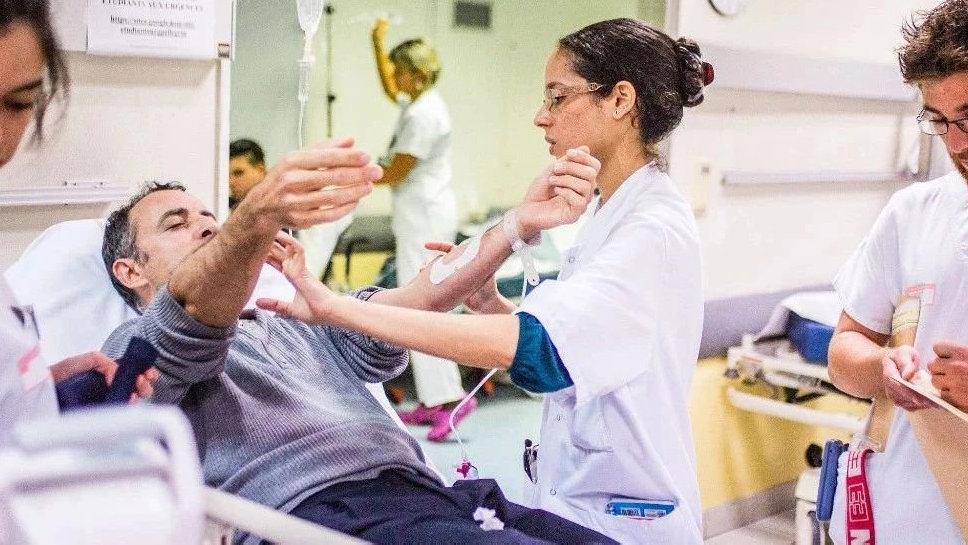 自体干细胞治疗,为患者提供长期益处