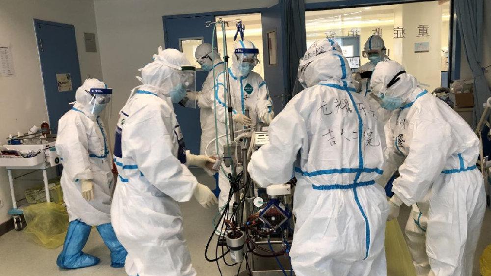 汉华中科技大学同济医院光谷院区最后一名患者在ECMO支持下成功转院