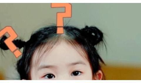朱茵戚薇女儿机场的反应大不同,网友:一看就是娇生惯养过头了
