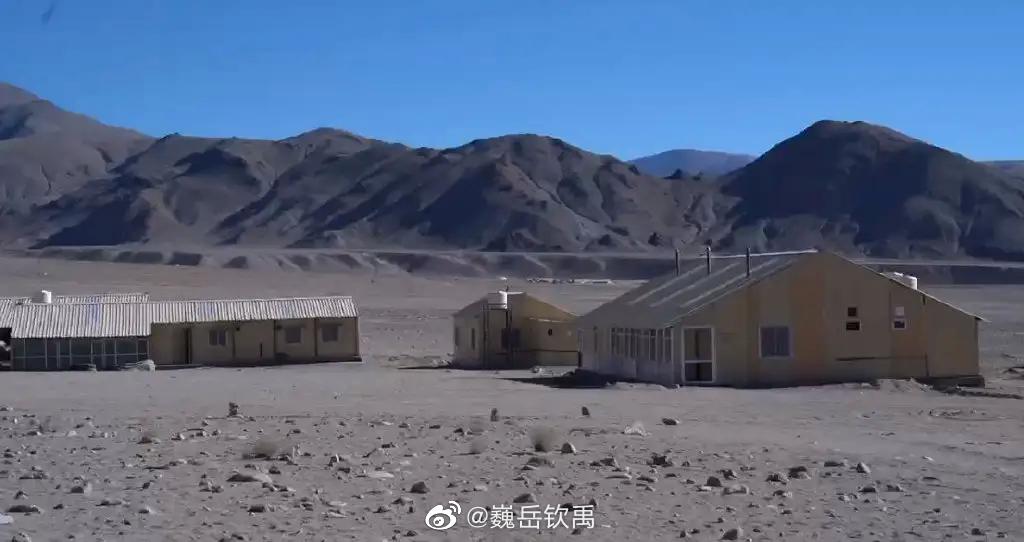 印媒获准拍摄拉达克地区印军部队的营房,还有印军囤积的物资