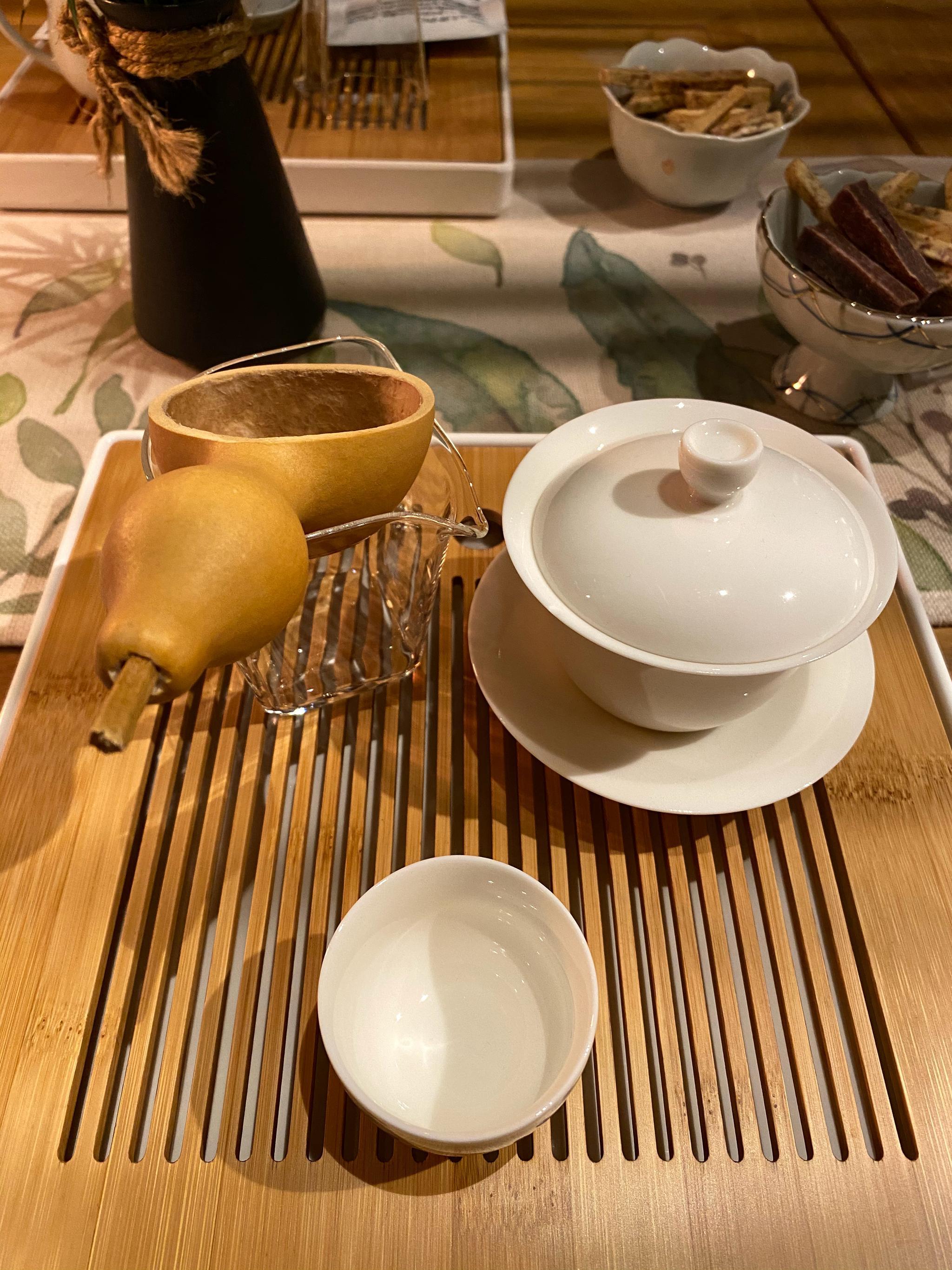 上午去了半坡博物馆,下午去了水陆庵,晚上回到闹市喝点茶………