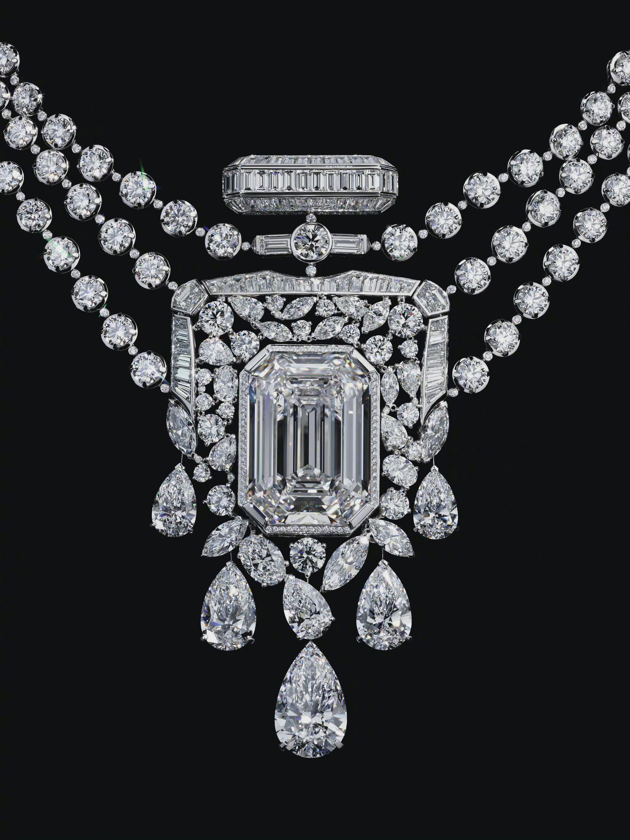 CHANEL 臻品珠宝N°5系列55.55项链 ……