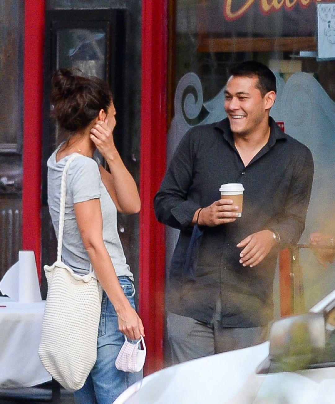 41岁的凯蒂·赫尔姆斯(Katie Holmes)和33岁的新男友Emilio Vitolo J