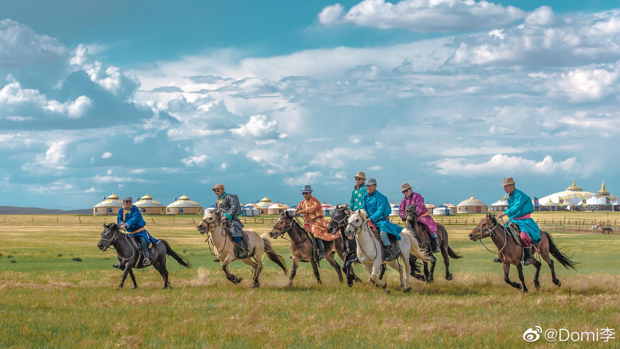 单人豪华蒙古包住宿一晚、单人早餐、原生态蒙古族歌舞演出、射箭、骑