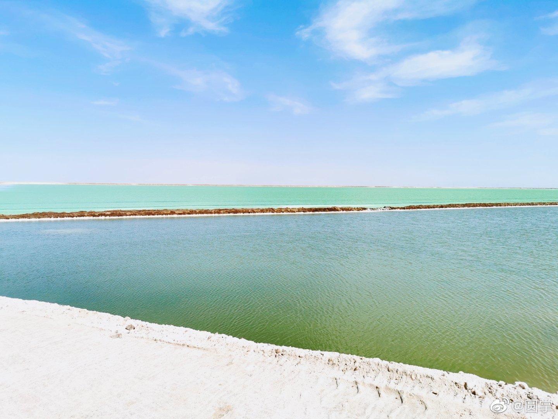 察尔汗盐湖。今年看到的最绿的湖。