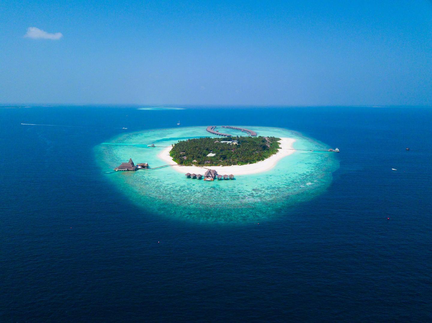 库克群岛,是由15个小岛组成的群岛国家