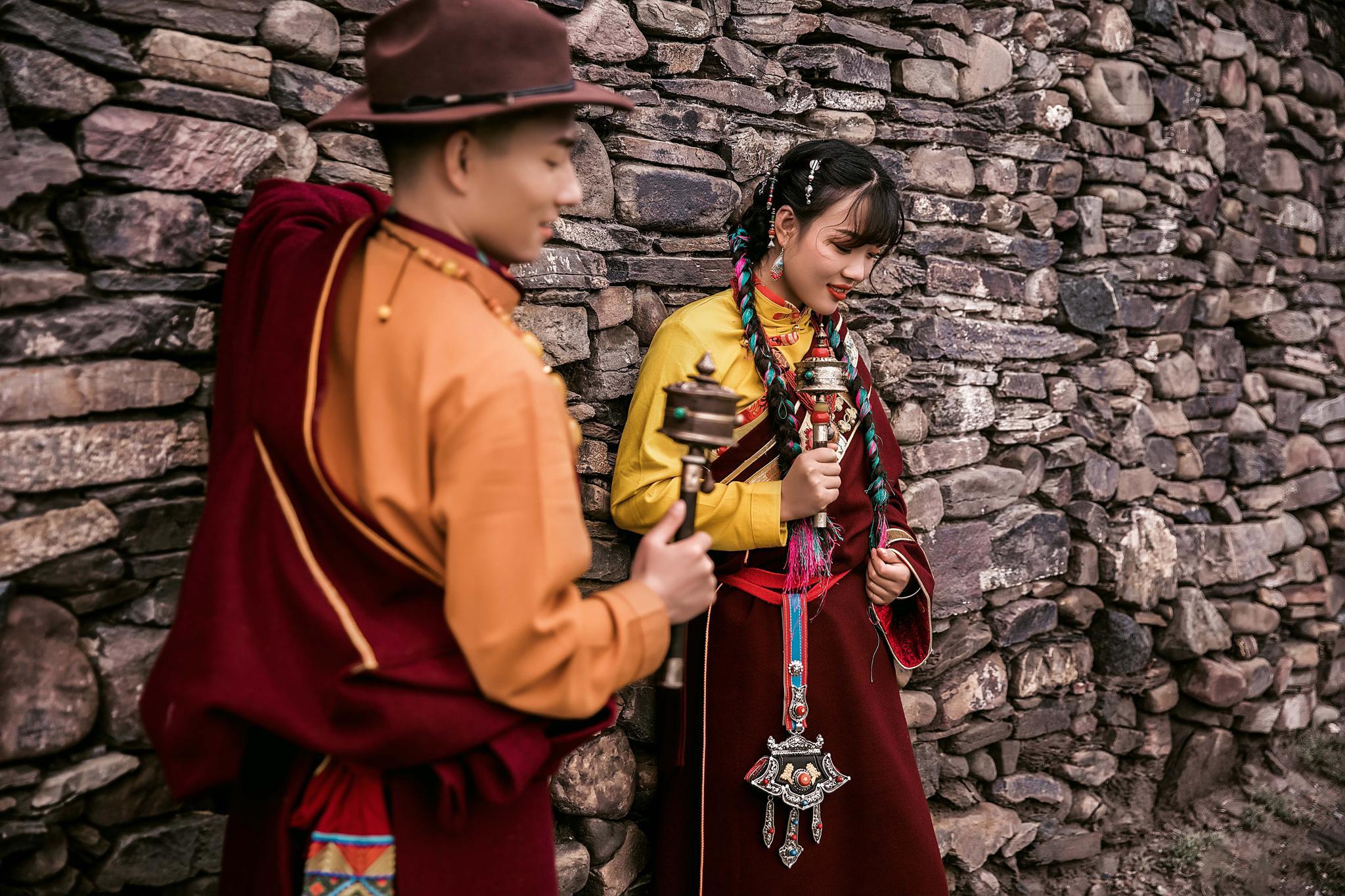 西藏拉萨这种特色的婚纱照,准备拍婚纱,喜欢的可以去拍一组