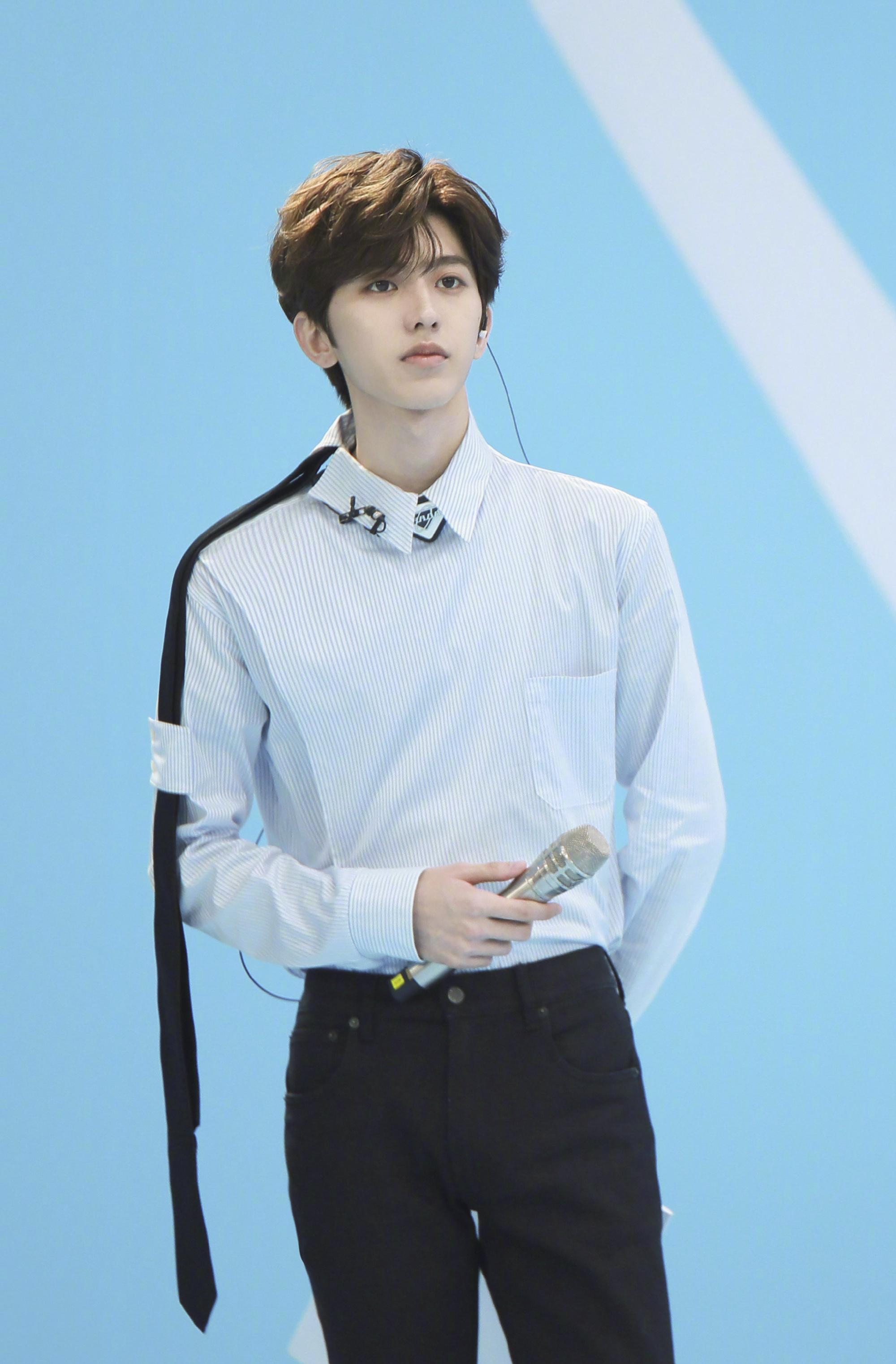 明星超话排行榜新一期榜单公布,蔡徐坤再次登顶