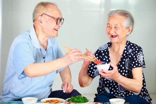 """""""十四五""""期间全国老年人口将突破3亿 将从轻度老龄化迈入中度老龄化"""