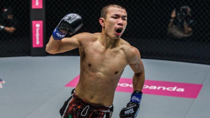 6秒KO播求大弟子后,这个泰国狠人又拿到金腰带