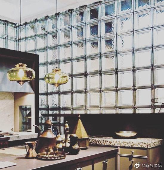 不知道如何让家居的采光变更好且通透?试试高级不高冷的玻璃砖