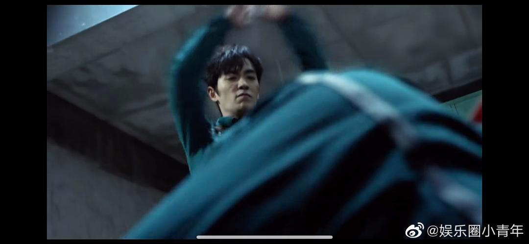 《重启》吴邪打人这段感觉朱一龙很适合挑战一下变态杀手那种角色
