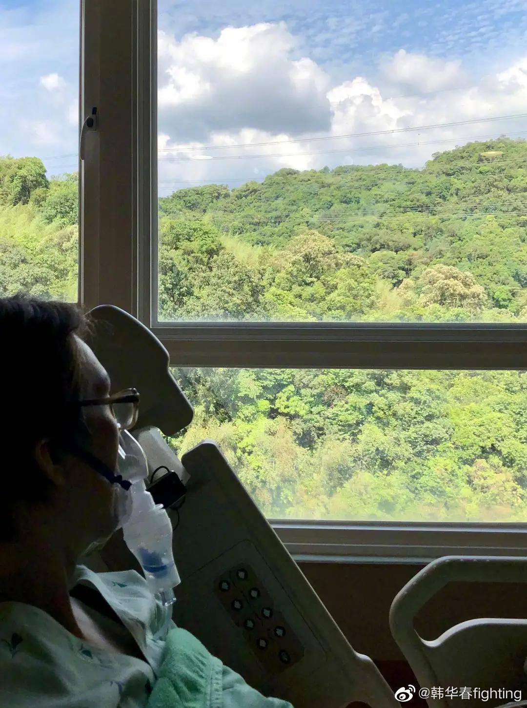 林志炫晒近照头戴呼吸机,脸部消瘦面容憔悴引人担忧