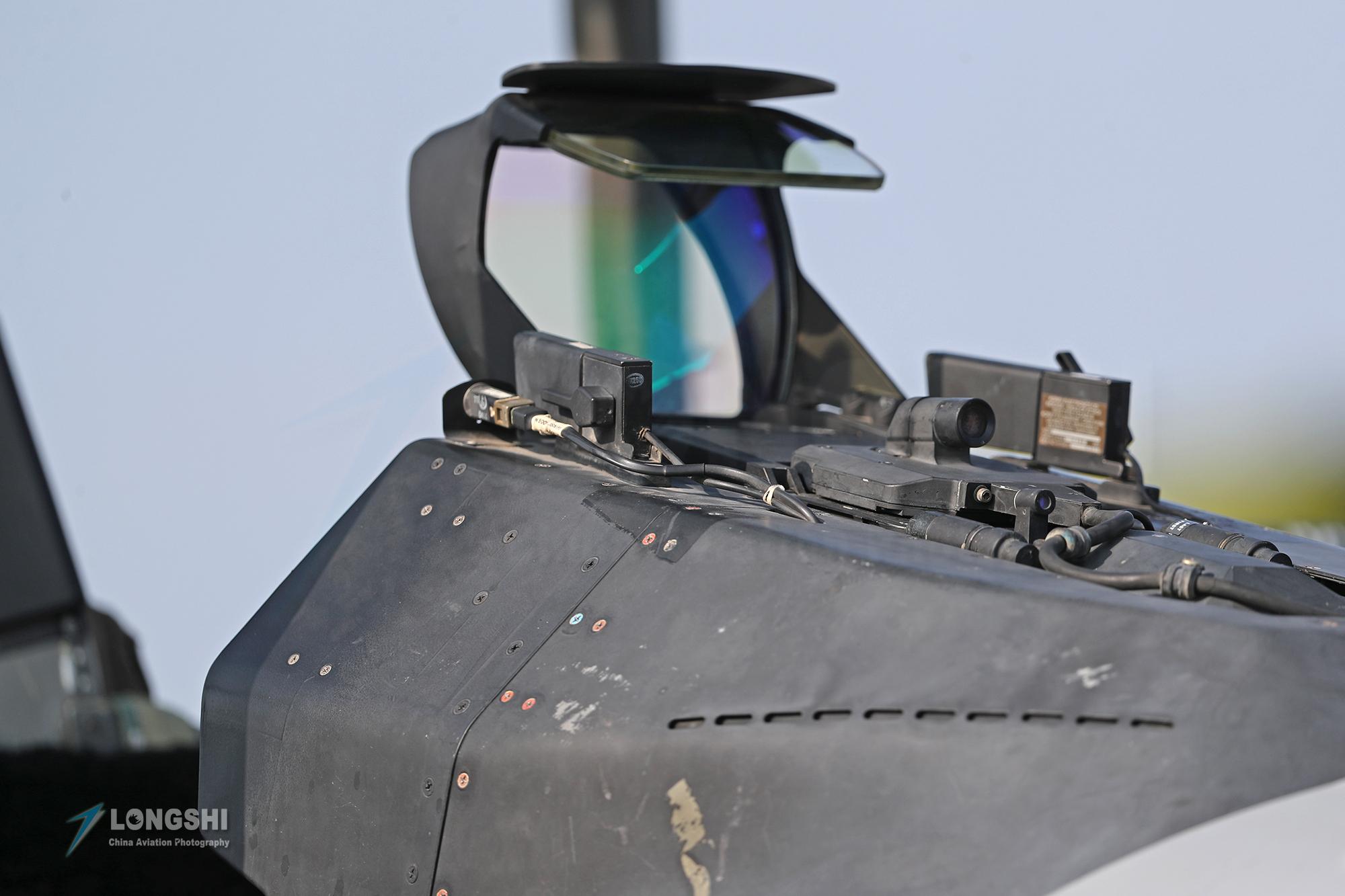 F-16战隼战斗机再怎么改还是个小身板,武器挂载能力不会有所提高