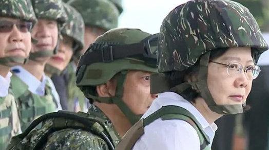 台军老兵叮嘱儿子:如果两岸开战,一枪干掉让你冲锋的长官