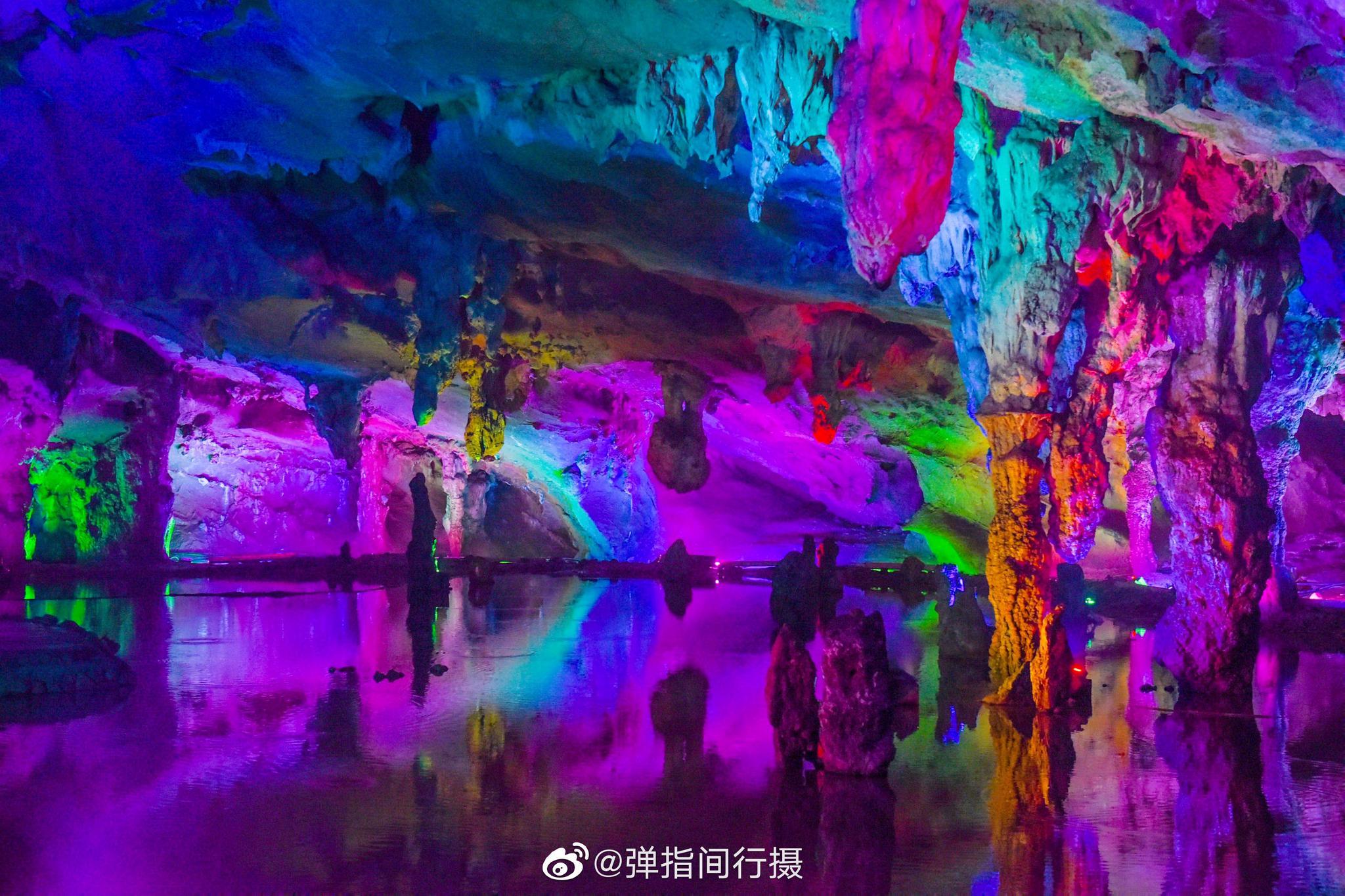 来到广东连州,除了湟川三峡,连州地下河也是游客必去的景点之一