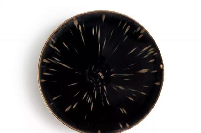 定窑瓷器可以卖多贵?1.2亿的碗有多美?定窑拍卖前十排行榜