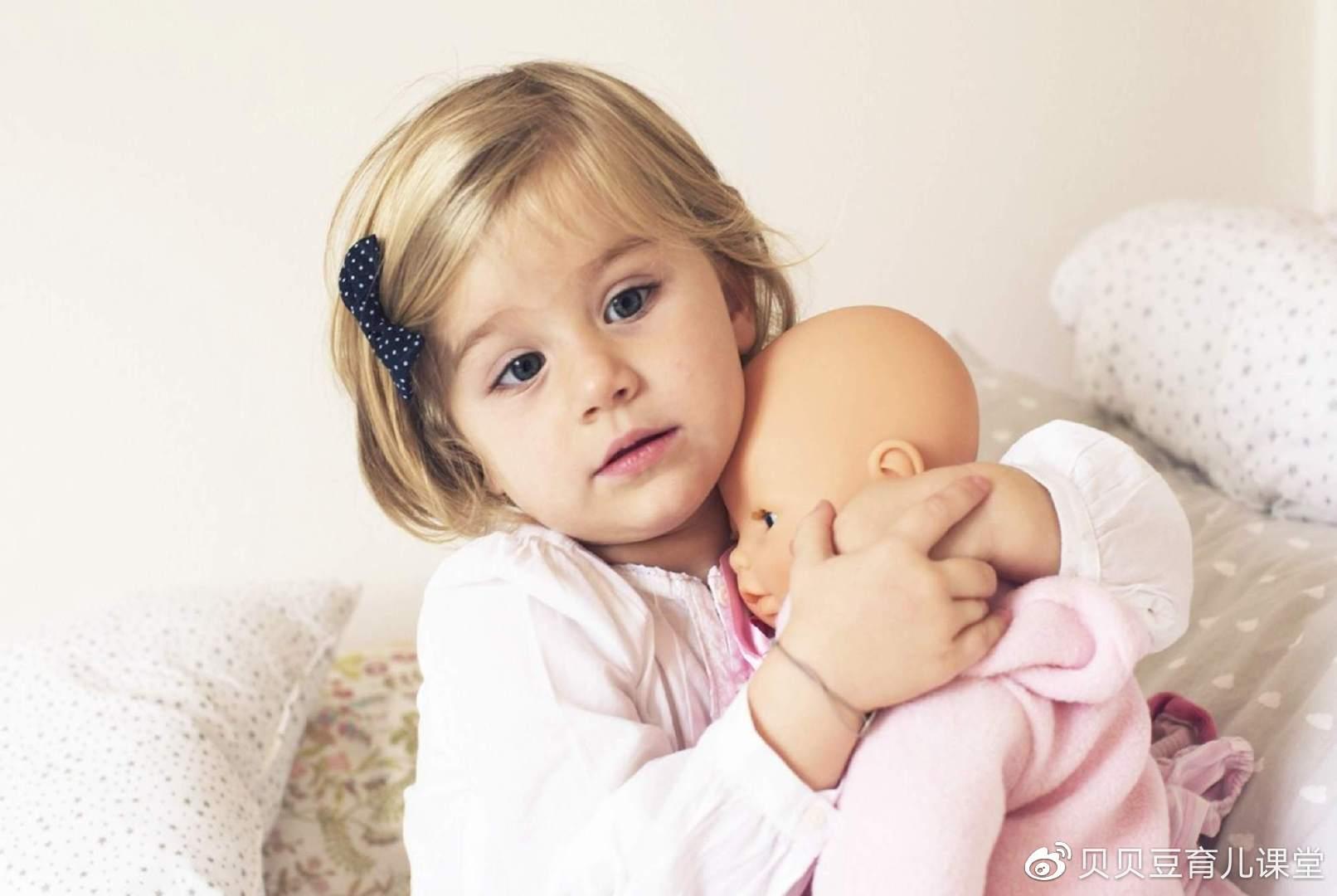 """为什么说安全感是人生底色?育儿不可盲目跟风,别做""""坑娃父母"""""""